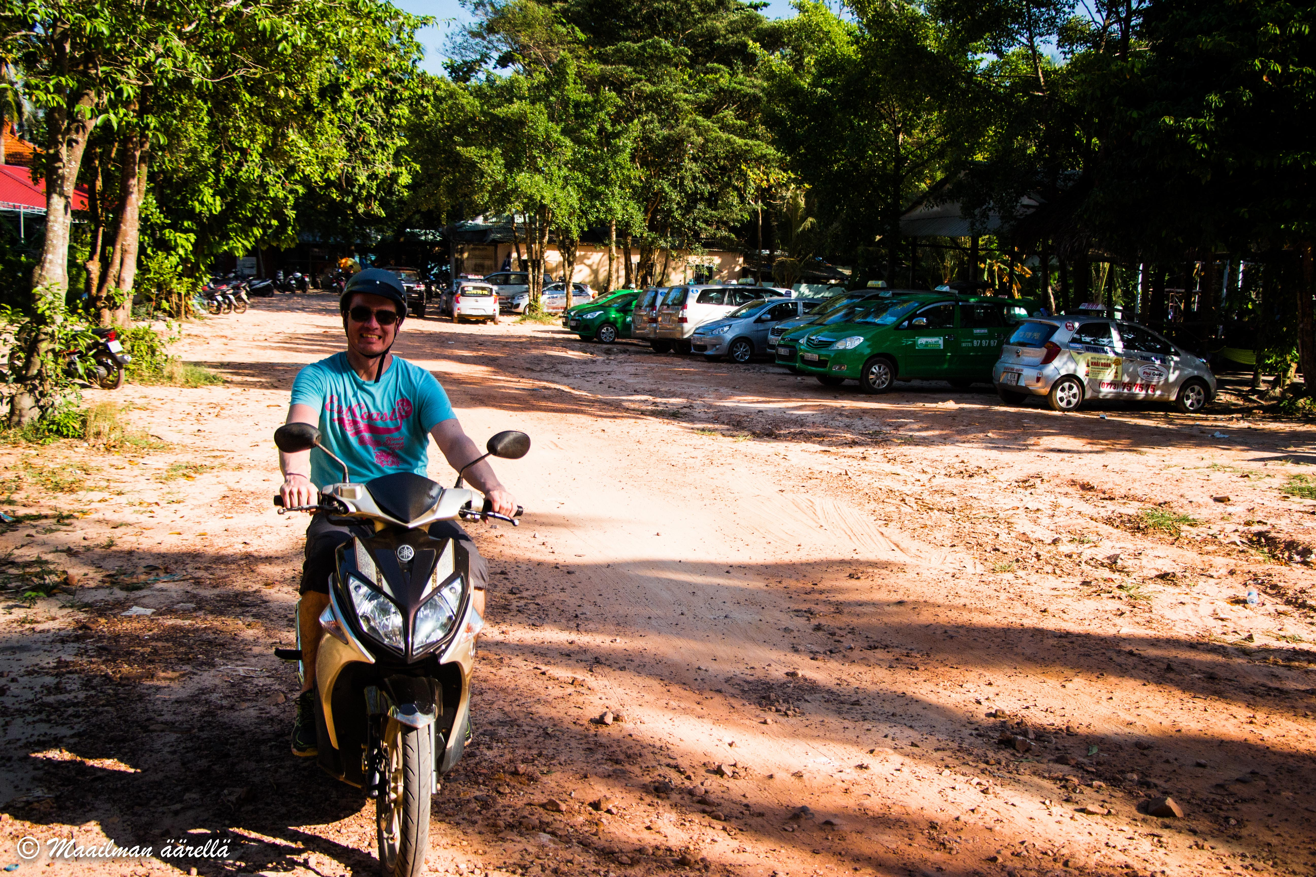 Phu Quoc skootterilla