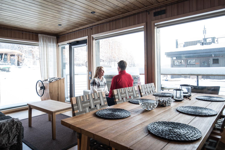 Jarvisydan_houseboat